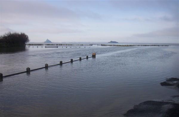 Pont de Genets depart des traversées de la baie vers le mont saint michel